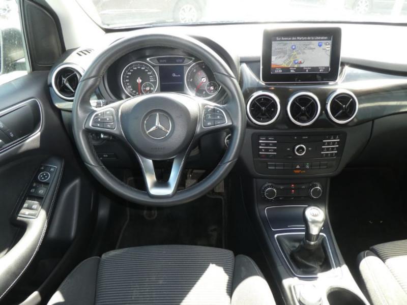 Photo 10 de l'offre de MERCEDES-BENZ CLASSE B 180D BV6 BUSINESS GPS Camera 1ère Main à 14490€ chez Mérignac auto
