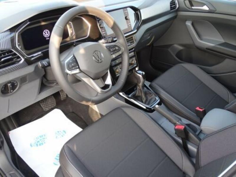 Photo 5 de l'offre de VOLKSWAGEN T-CROSS 1.0 TSI 110 DSG7 LOUNGE PACK BLACK Camera JA17 (8 Options) à 24750€ chez Mérignac auto