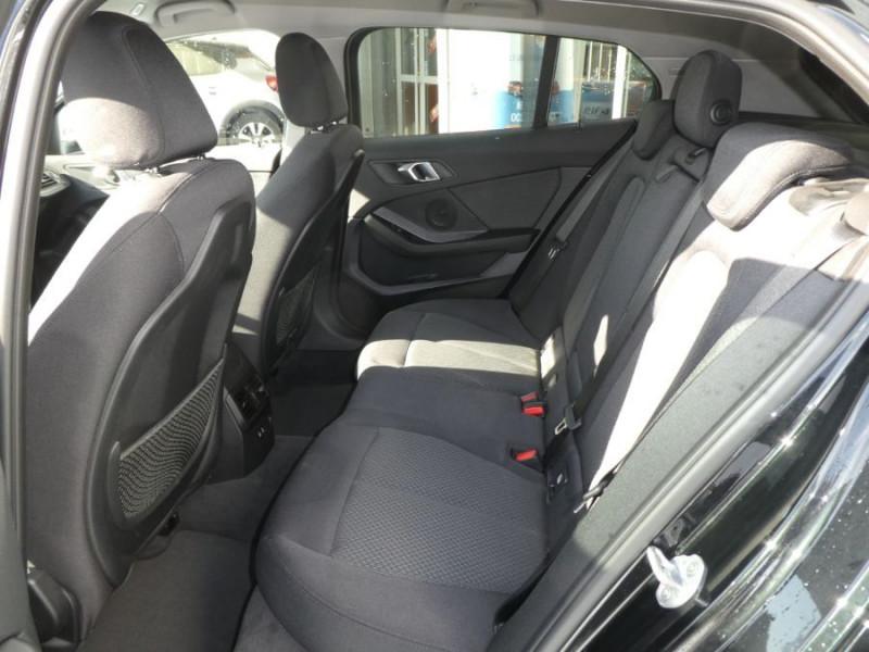 Photo 7 de l'offre de BMW SERIE 1 (F40) 118DA 150 BVA8 BUSINESS GPS Keyless Privacy Glass Gtie 02/23 à 29950€ chez Mérignac auto