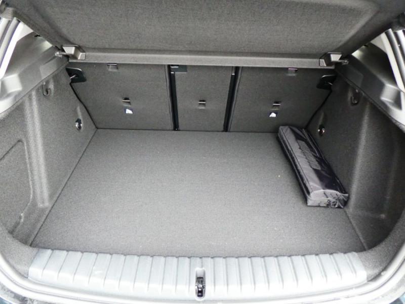 Photo 8 de l'offre de BMW SERIE 1 (F40) 118DA 150 BVA8 BUSINESS GPS Keyless Privacy Glass Gtie 02/23 à 29950€ chez Mérignac auto