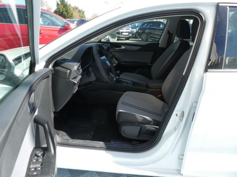 Photo 5 de l'offre de SEAT LEON IV 1.5 TSI 130 BV6 BUSINESS GPS Full LED JA17 Privacy Glass Gtie 11/24 à 23250€ chez Mérignac auto