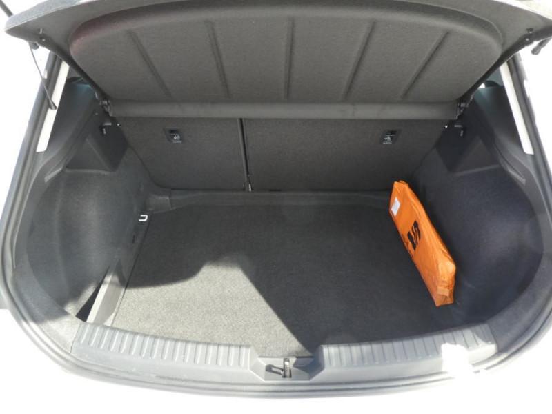Photo 8 de l'offre de SEAT LEON IV 1.5 TSI 130 BV6 BUSINESS GPS Full LED JA17 Privacy Glass Gtie 11/24 à 23250€ chez Mérignac auto