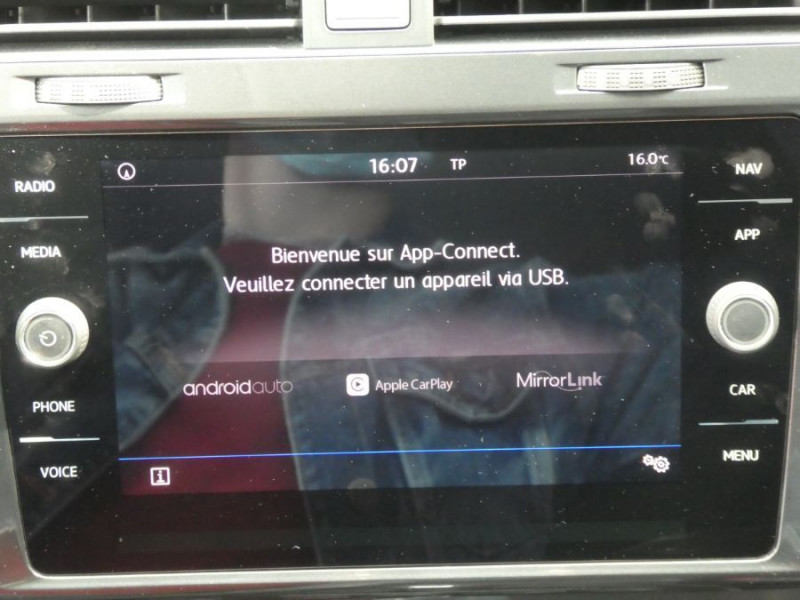 Photo 13 de l'offre de VOLKSWAGEN GOLF SW VII 1.6 TDI 115 DSG7 CONFORTLINE GPS Radars à 17450€ chez Mérignac auto