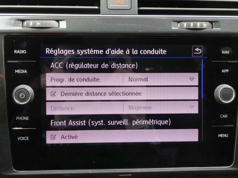 Photo 14 de l'offre de VOLKSWAGEN GOLF SW VII 1.6 TDI 115 DSG7 CONFORTLINE GPS Radars à 17450€ chez Mérignac auto