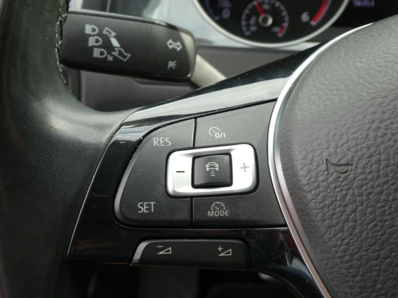 Photo 16 de l'offre de VOLKSWAGEN GOLF SW VII 1.6 TDI 115 DSG7 CONFORTLINE GPS Radars à 17450€ chez Mérignac auto