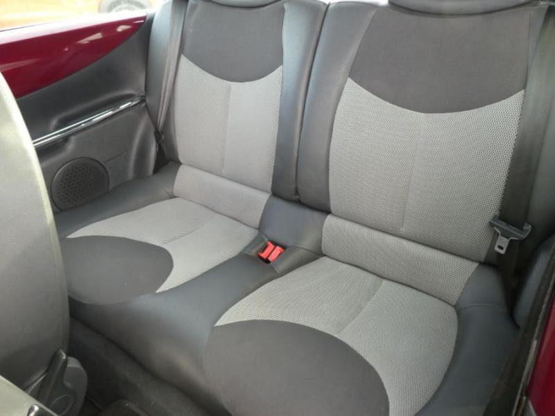 Photo 8 de l'offre de CITROEN C3 PLURIEL 1.4 HDI ROUGE CHARLESTON 1ère Main à 6690€ chez Mérignac auto