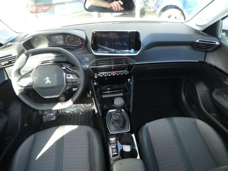Photo 6 de l'offre de PEUGEOT 208 PureTech 100 BV6 ALLURE Tél. Induction Camera à 18950€ chez Mérignac auto