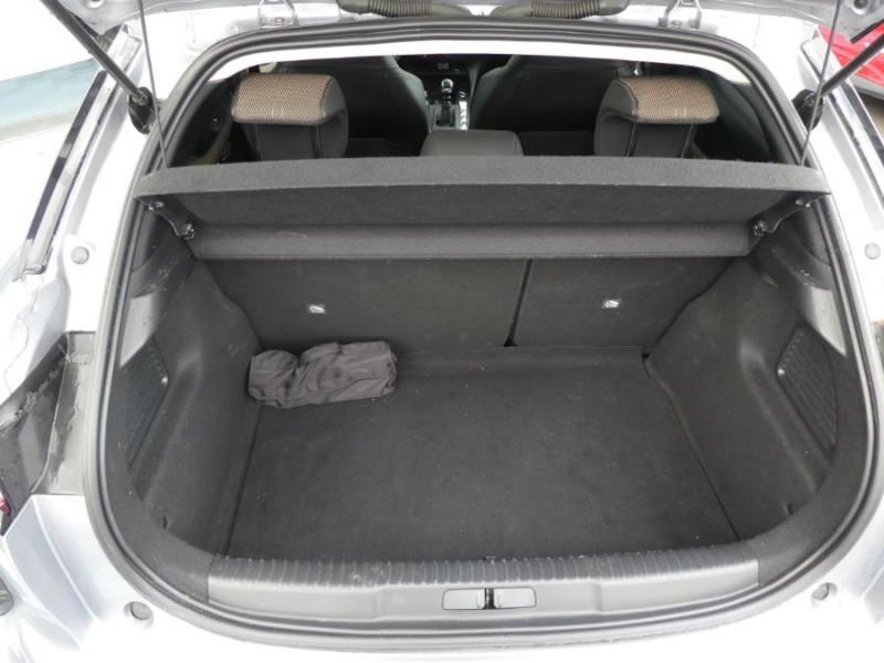 Photo 8 de l'offre de DS DS3 CROSSBACK BlueHDi 100 BV6 SO CHIC JA17 KeyLess Mirror à 22850€ chez Mérignac auto