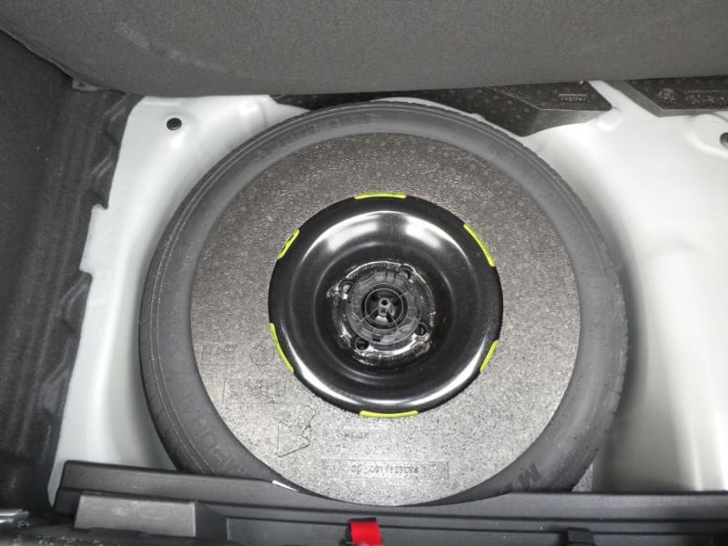 Photo 13 de l'offre de DS DS3 CROSSBACK BlueHDi 100 BV6 SO CHIC JA17 KeyLess Mirror à 22850€ chez Mérignac auto