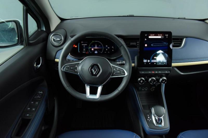 Photo 9 de l'offre de RENAULT ZOE R135 EXCEPTION CUIR GPS Bose Achat Intégral à 22950€ chez Mérignac auto