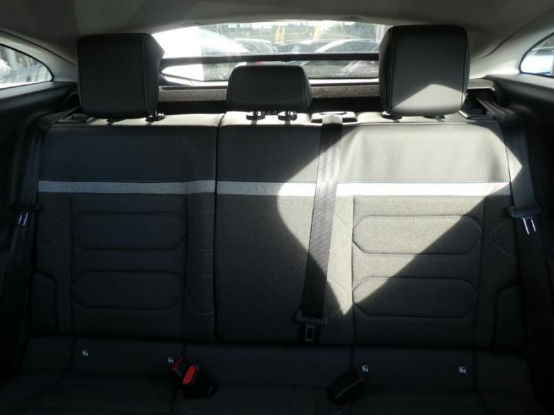 Photo 13 de l'offre de CITROEN C4 BlueHDi 130 EAT8 FEEL PACK JA18 GPS Camera à 26380€ chez Mérignac auto
