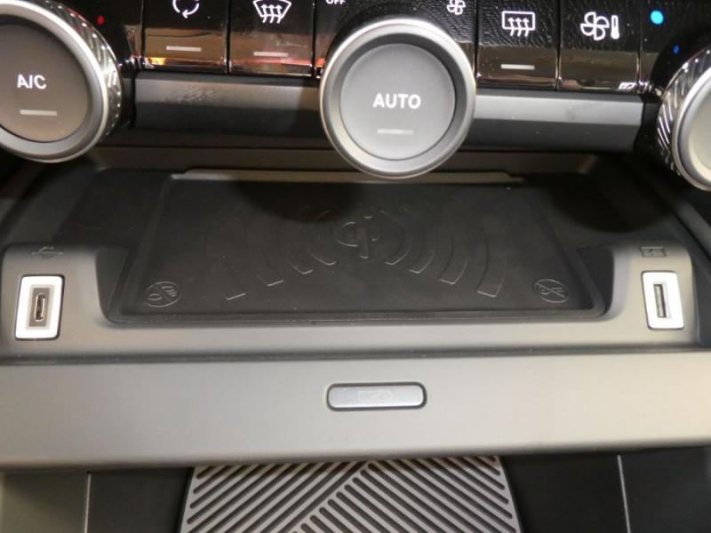 Photo 15 de l'offre de CITROEN C4 PureTech 130 EAT8 SHINE HIGHWAY Assist Induction à 26280€ chez Mérignac auto