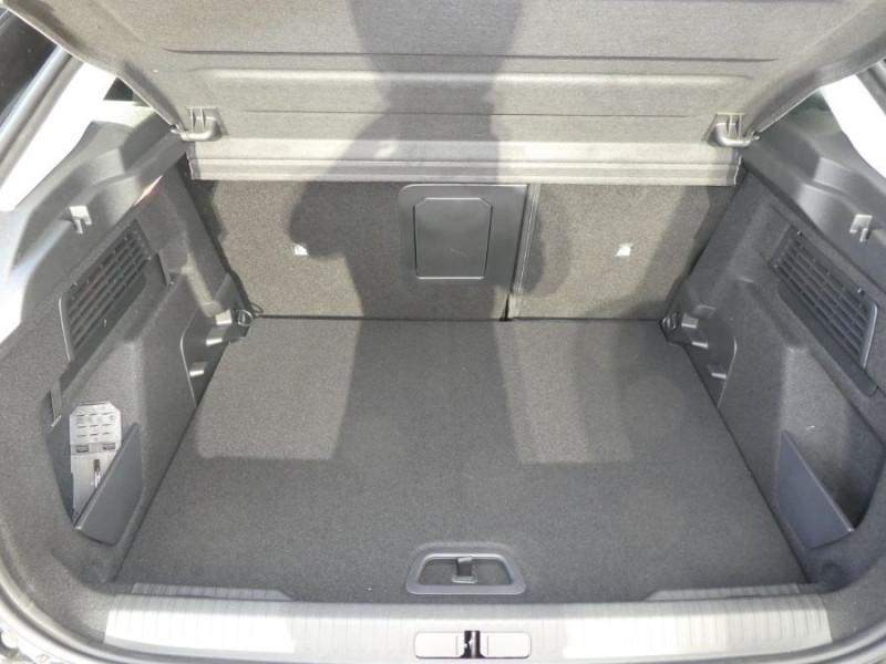 Photo 8 de l'offre de CITROEN C4 PureTech 130 EAT8 SHINE HIGHWAY Assist Induction à 26280€ chez Mérignac auto