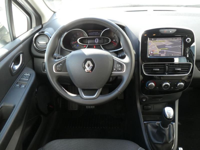 Photo 9 de l'offre de RENAULT CLIO IV 1.5 DCi 90 BUSINESS Bluetooth à 12850€ chez Mérignac auto