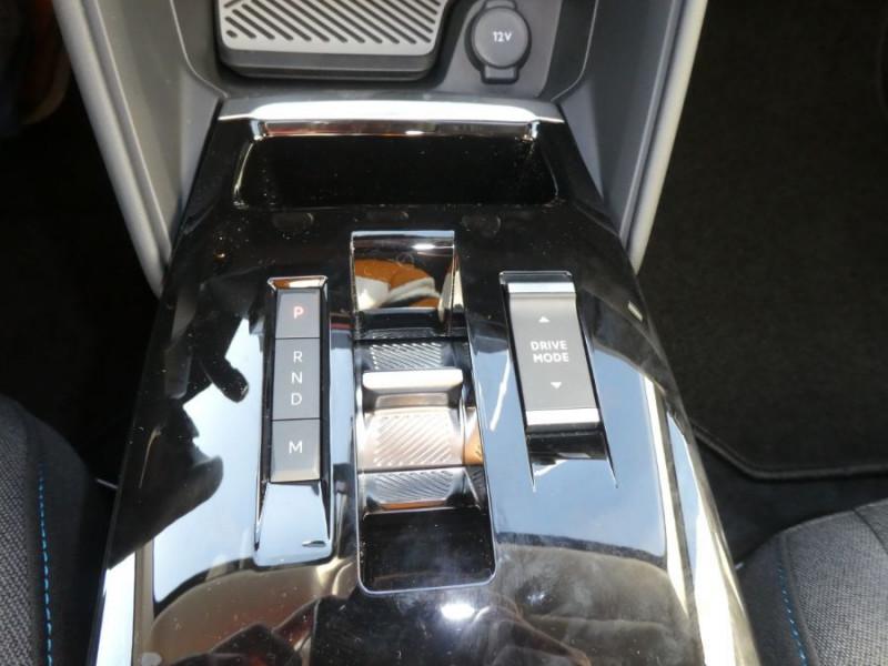 Photo 16 de l'offre de CITROEN C4 PureTech 130 EAT8 SHINE HIGHWAY Assist Induction à 26280€ chez Mérignac auto