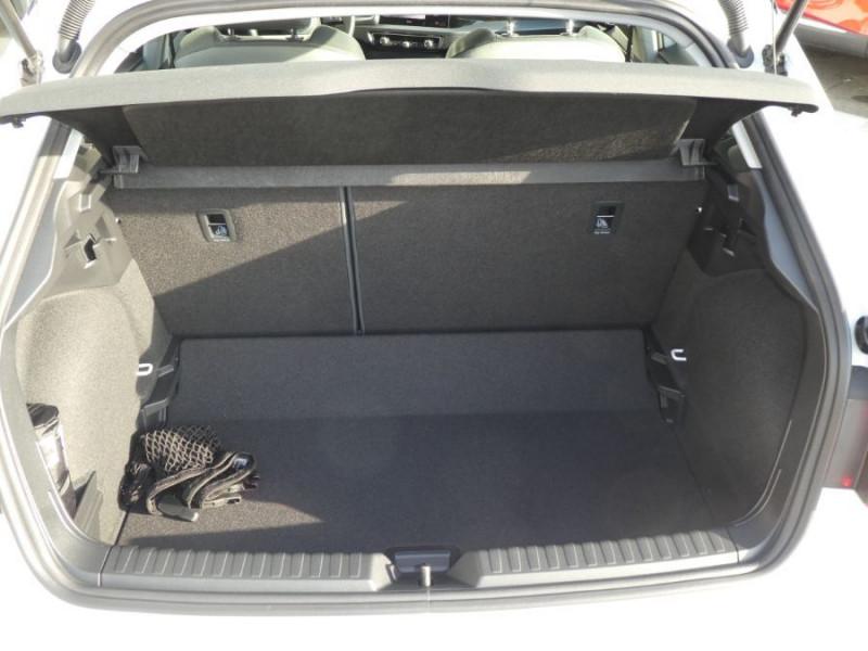 Photo 8 de l'offre de AUDI A1 SPORTBACK II 30 TFSI 110 S tronic 7 Pack Ext. S LINE JA17 Camera Radars à 27980€ chez Mérignac auto