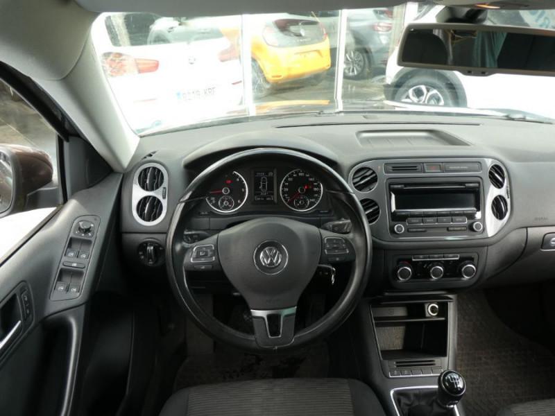 Photo 5 de l'offre de VOLKSWAGEN TIGUAN 2.0 TDI 110 BV6 2WD BLUEMOTION Bluetooth à 12450€ chez Mérignac auto