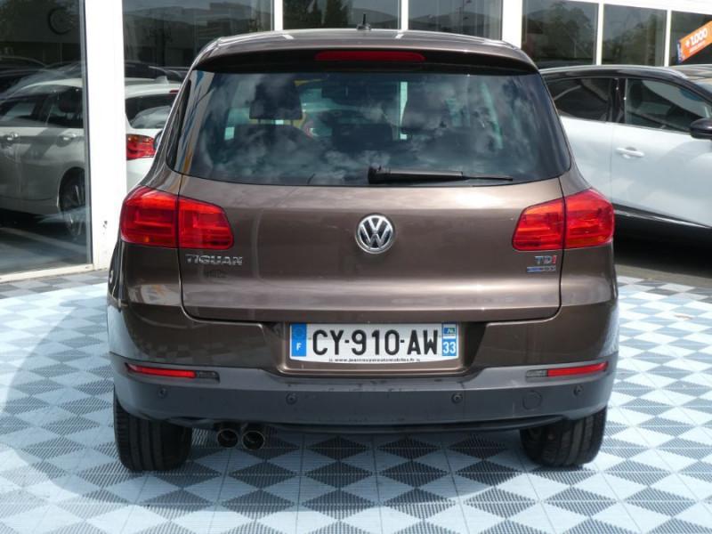 Photo 7 de l'offre de VOLKSWAGEN TIGUAN 2.0 TDI 110 BV6 2WD BLUEMOTION Bluetooth à 12450€ chez Mérignac auto