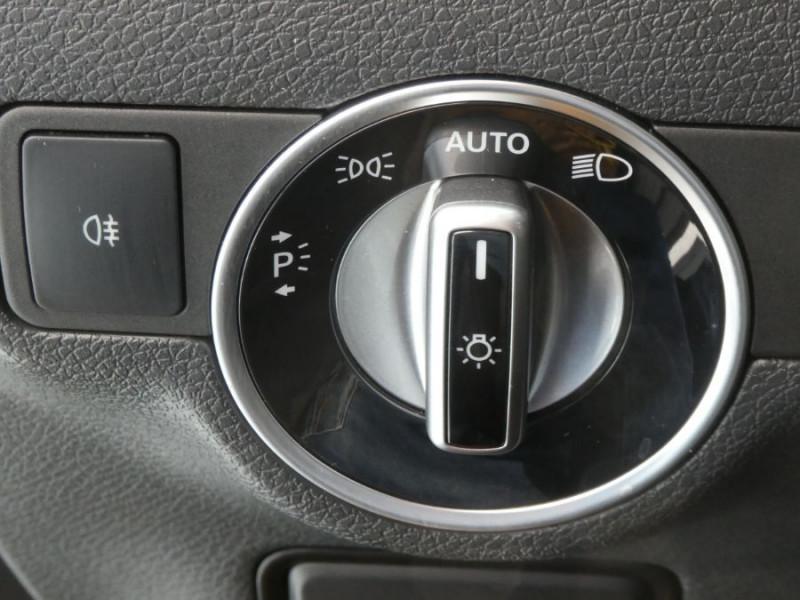 Photo 19 de l'offre de MERCEDES-BENZ CLA SHOOTING BRAKE (2) 200 D 7G-DCT AMG LINE GPS Camera JA18 Hayon él. à 27950€ chez Mérignac auto