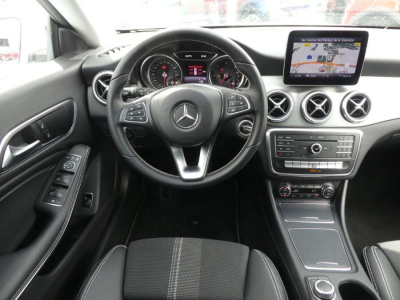 Photo 9 de l'offre de MERCEDES-BENZ CLA SHOOTING BRAKE (2) 200 D 7G-DCT URBAN GPS Camera JA18 Hayon él. à 27450€ chez Mérignac auto