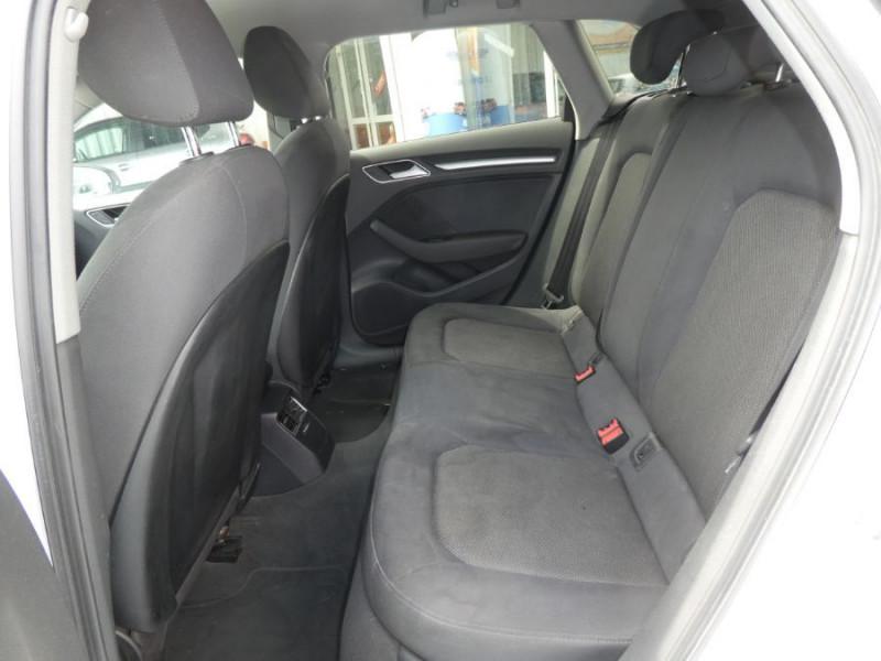 Photo 7 de l'offre de AUDI A3 SPORTBACK 1.0 TFSI 115 BV6 XENON 1ère Main à 17450€ chez Mérignac auto
