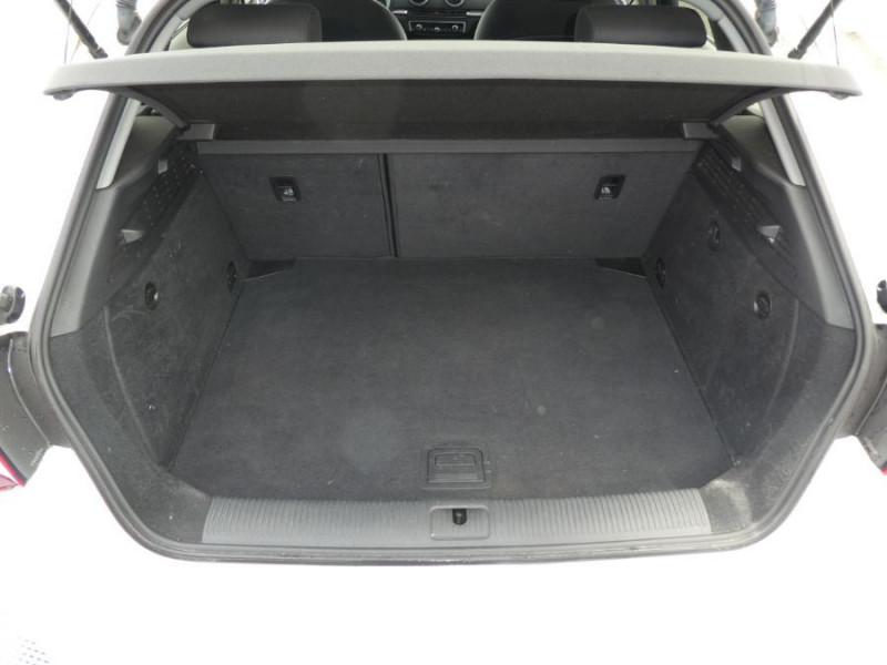 Photo 8 de l'offre de AUDI A3 SPORTBACK 1.0 TFSI 115 BV6 XENON 1ère Main à 17450€ chez Mérignac auto