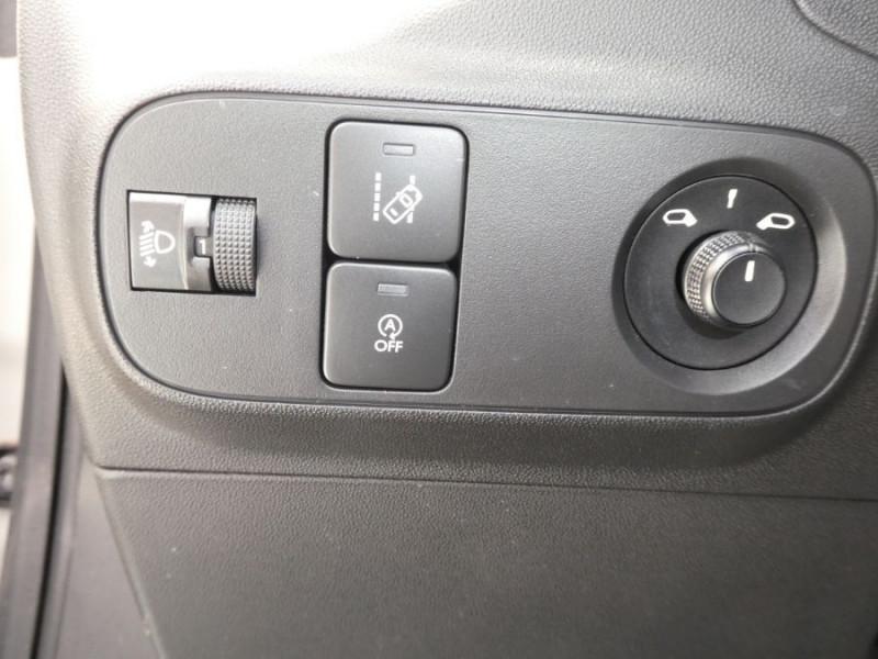 Photo 13 de l'offre de CITROEN C3 PureTech 82 FEEL Bi Ton Bluetooth à 12590€ chez Mérignac auto