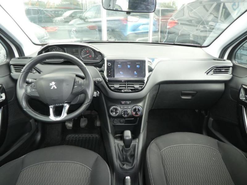 Photo 6 de l'offre de PEUGEOT 208 1.6 BlueHDi 75 ACTIVE Bluetooth JA16 à 12750€ chez Mérignac auto