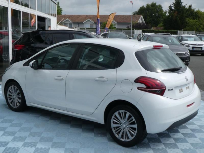 Photo 4 de l'offre de PEUGEOT 208 1.6 BlueHDi 75 ACTIVE Bluetooth JA16 à 12750€ chez Mérignac auto