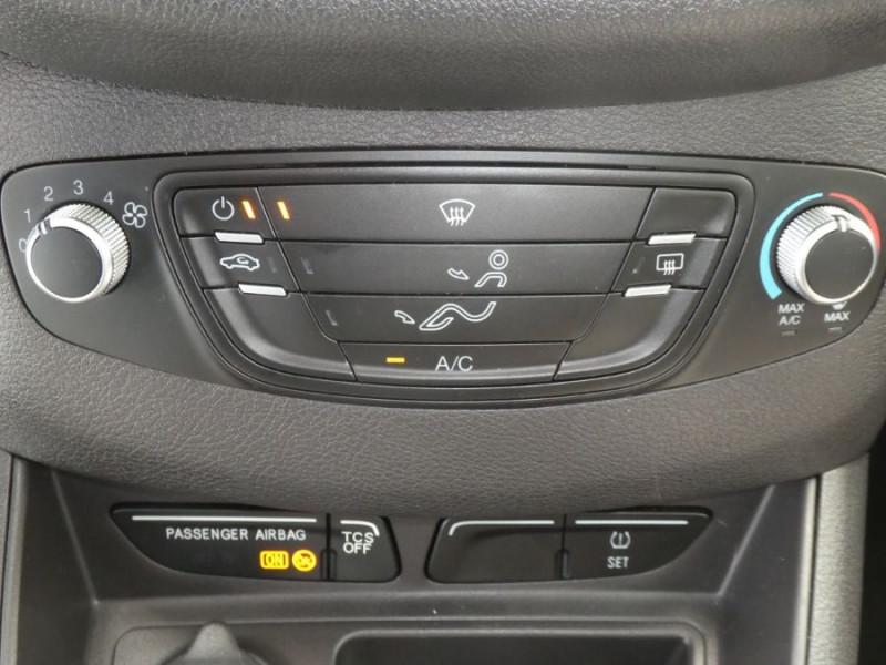 Photo 12 de l'offre de FORD TOURNEO COURIER 1.0 EcoBoost 100 BV6 TRANSIT CLIM à 12890€ chez Mérignac auto