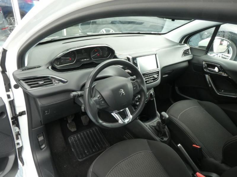 Photo 9 de l'offre de PEUGEOT 208 1.6 BlueHDi 75 ACTIVE Bluetooth JA16 à 12750€ chez Mérignac auto