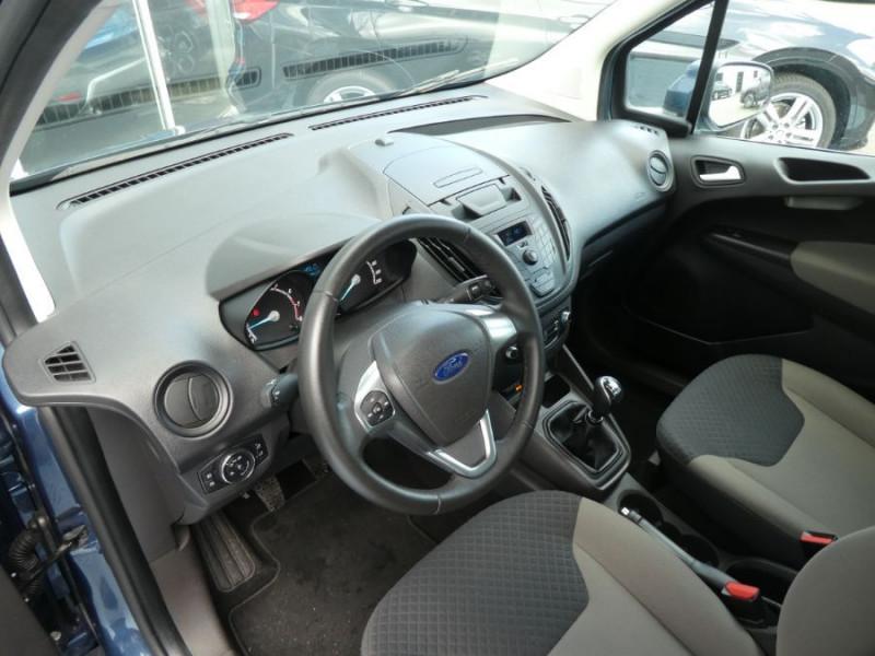 Photo 10 de l'offre de FORD TOURNEO COURIER 1.0 EcoBoost 100 BV6 TRANSIT CLIM à 12890€ chez Mérignac auto