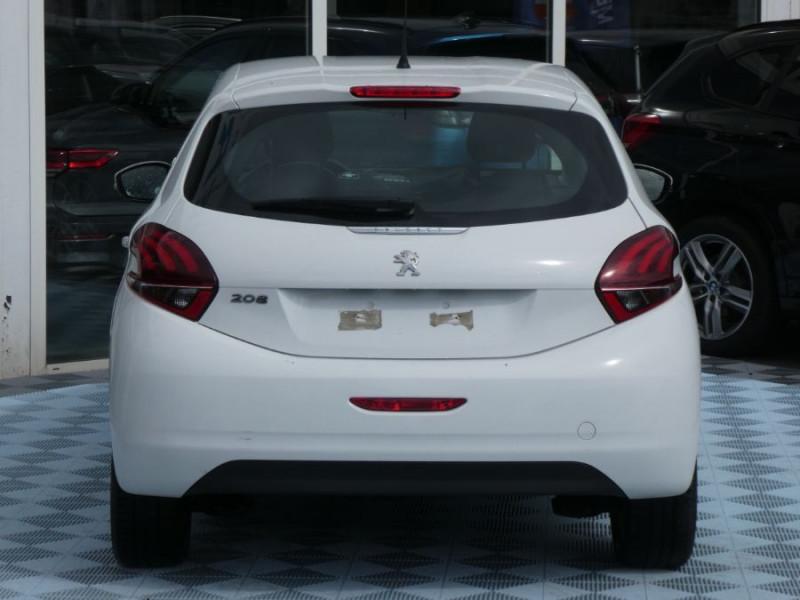 Photo 17 de l'offre de PEUGEOT 208 1.6 BlueHDi 75 ACTIVE Bluetooth JA16 à 12750€ chez Mérignac auto