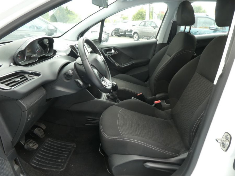 Photo 5 de l'offre de PEUGEOT 208 1.6 BlueHDi 75 ACTIVE Bluetooth JA16 à 12750€ chez Mérignac auto