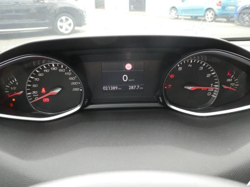 Photo 9 de l'offre de PEUGEOT 308 II (2) 1.2 PureTech 130 BV6 ALLURE JA17 à 18790€ chez Mérignac auto