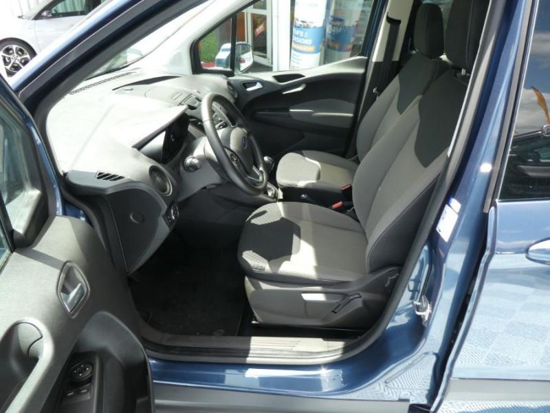Photo 5 de l'offre de FORD TOURNEO COURIER 1.0 EcoBoost 100 BV6 TRANSIT CLIM à 12890€ chez Mérignac auto