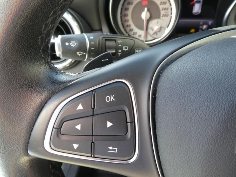 Photo 17 de l'offre de MERCEDES-BENZ GLA 200 CDI 7G-DCT 4MATIC GPS Caméra Bi-Xénon Hayon EL. à 24500€ chez Mérignac auto