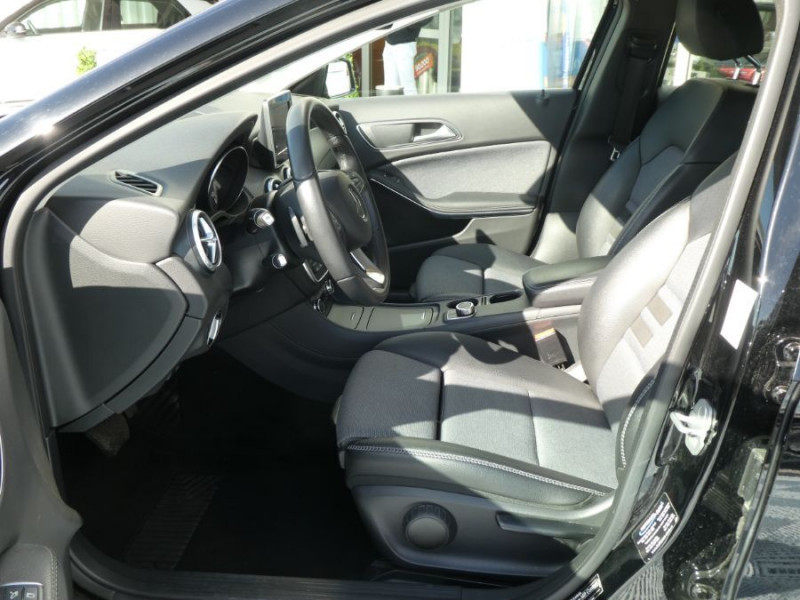 Photo 5 de l'offre de MERCEDES-BENZ GLA 200 CDI 7G-DCT 4MATIC GPS Caméra Bi-Xénon Hayon EL. à 24500€ chez Mérignac auto