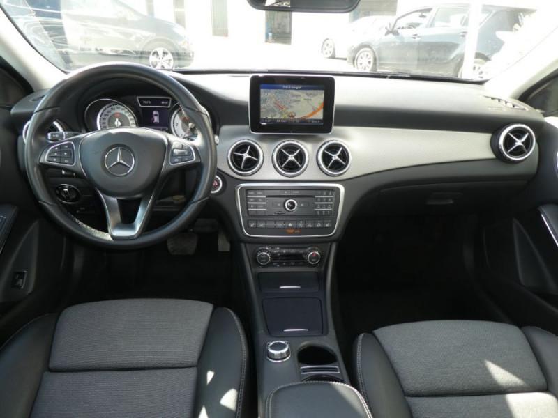 Photo 6 de l'offre de MERCEDES-BENZ GLA 200 CDI 7G-DCT 4MATIC GPS Caméra Bi-Xénon Hayon EL. à 24500€ chez Mérignac auto