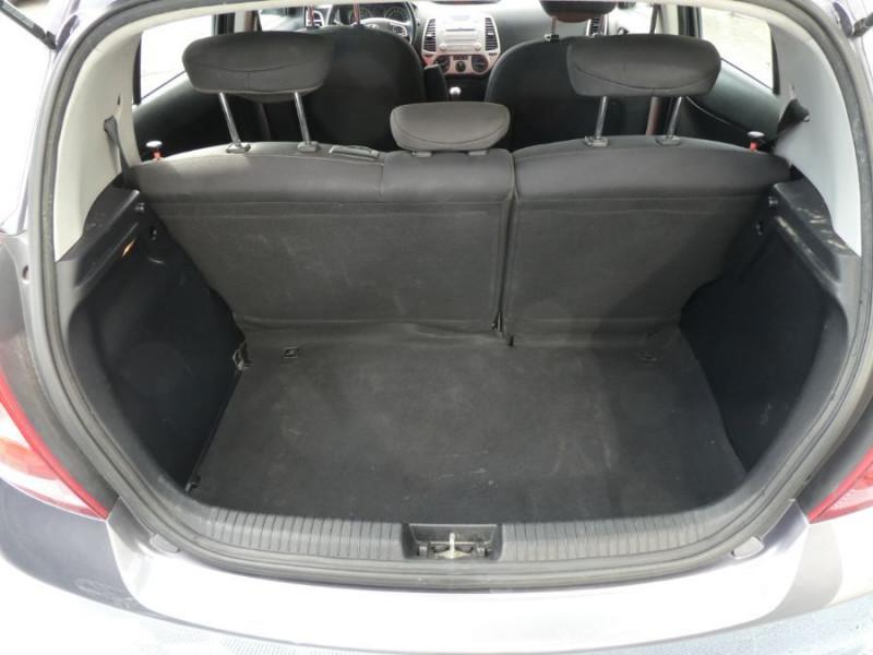 Photo 8 de l'offre de HYUNDAI I20 1.4 CRDI 90 PACK COLOR CONFORT 5P à 5490€ chez Mérignac auto
