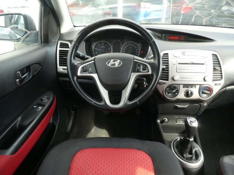 Photo 11 de l'offre de HYUNDAI I20 1.4 CRDI 90 PACK COLOR CONFORT 5P à 5490€ chez Mérignac auto