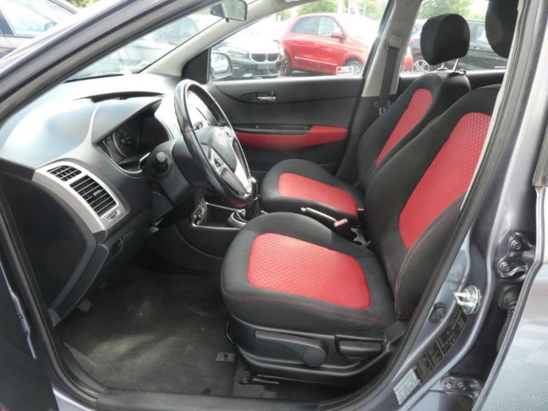 Photo 5 de l'offre de HYUNDAI I20 1.4 CRDI 90 PACK COLOR CONFORT 5P à 5490€ chez Mérignac auto