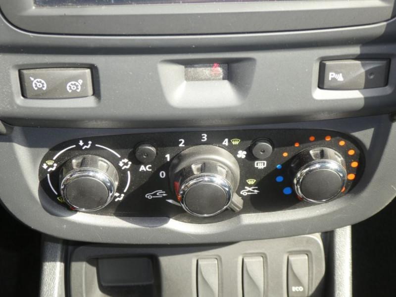 Photo 13 de l'offre de DACIA DUSTER 1.5 DCi 110 BV6 4X2 PRESTIGE CUIR GPS à 12250€ chez Mérignac auto