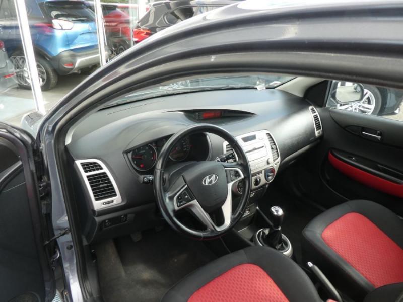 Photo 9 de l'offre de HYUNDAI I20 1.4 CRDI 90 PACK COLOR CONFORT 5P à 5490€ chez Mérignac auto