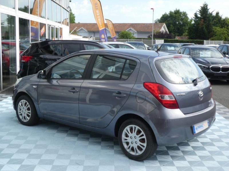 Photo 4 de l'offre de HYUNDAI I20 1.4 CRDI 90 PACK COLOR CONFORT 5P à 5490€ chez Mérignac auto