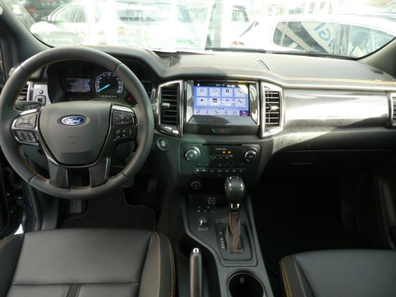 Photo 8 de l'offre de FORD RANGER SUPER CAB 2.0 TDCI 213 BVA10 4WD WILDTRAK Cover Pack Tech. JA Noires 33000HT à 39600€ chez Mérignac auto