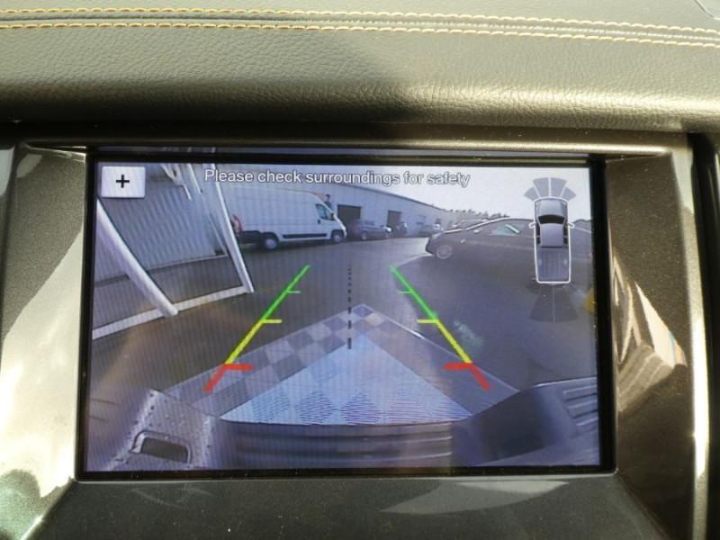 Photo 9 de l'offre de FORD RANGER SUPER CAB 2.0 TDCI 213 BVA10 4WD WILDTRAK Cover Pack Tech. JA Noires 33000HT à 39600€ chez Mérignac auto