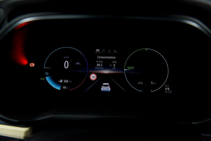Photo 16 de l'offre de RENAULT ZOE R135 EXCEPTION CUIR GPS Bose Achat Intégral à 22950€ chez Mérignac auto