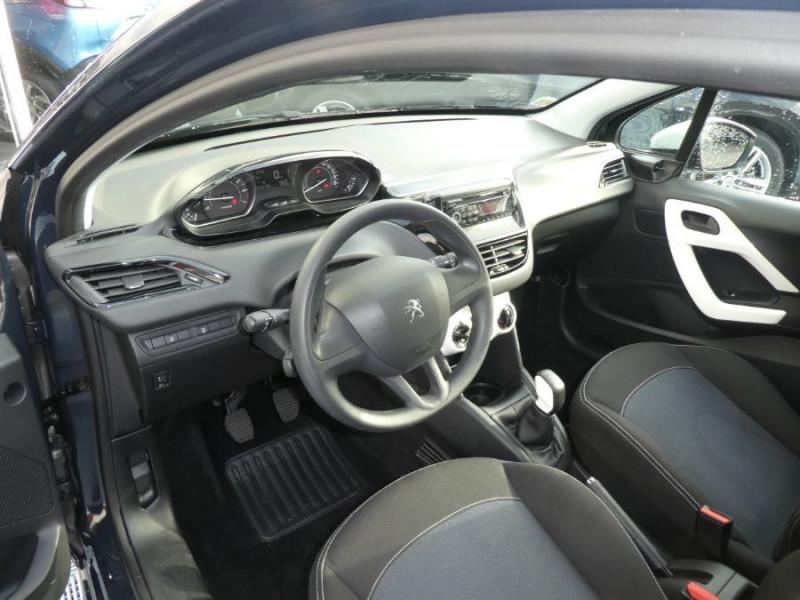 Photo 9 de l'offre de PEUGEOT 208 1.2 PureTech 68 LIKE CLIM Régulateur 1ère Main à 10480€ chez Mérignac auto
