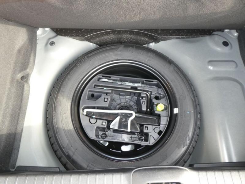 Photo 12 de l'offre de PEUGEOT 208 1.2 PureTech 68 LIKE CLIM Régulateur 1ère Main à 10480€ chez Mérignac auto